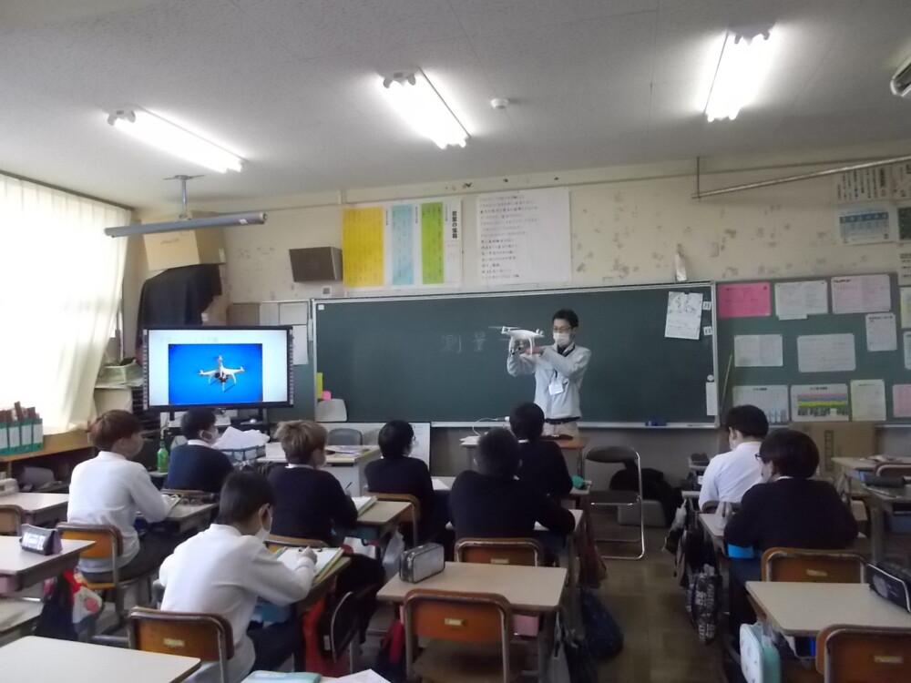 唐崎小学校での講義3